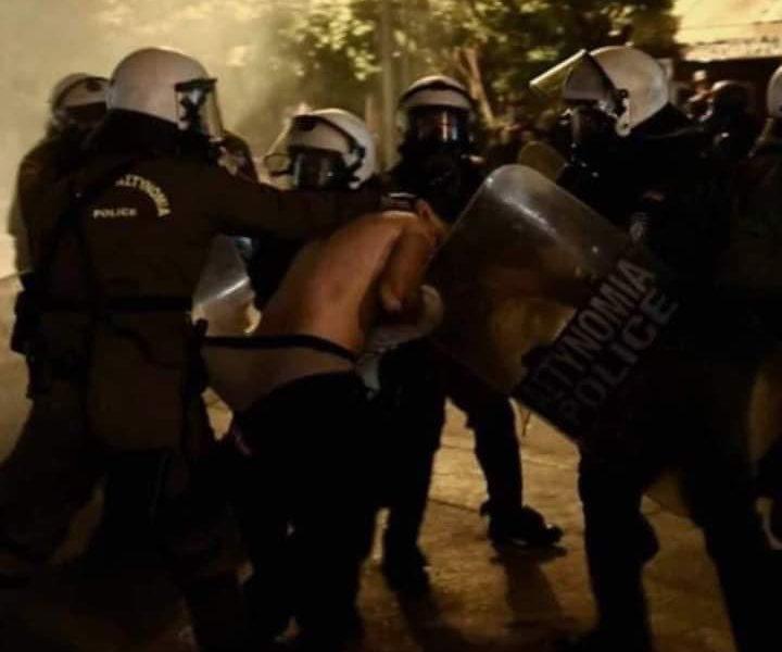 Όταν ο βασανισμός, η κακοποίηση, το ξεγύμνωμα και ο εξευτελισμός πολιτών από πάνοπλα αστυνομικά όργανα γίνεται πλέον καθημερινότητα, κανείς δεν μπορεί να μένει σιωπηλός.